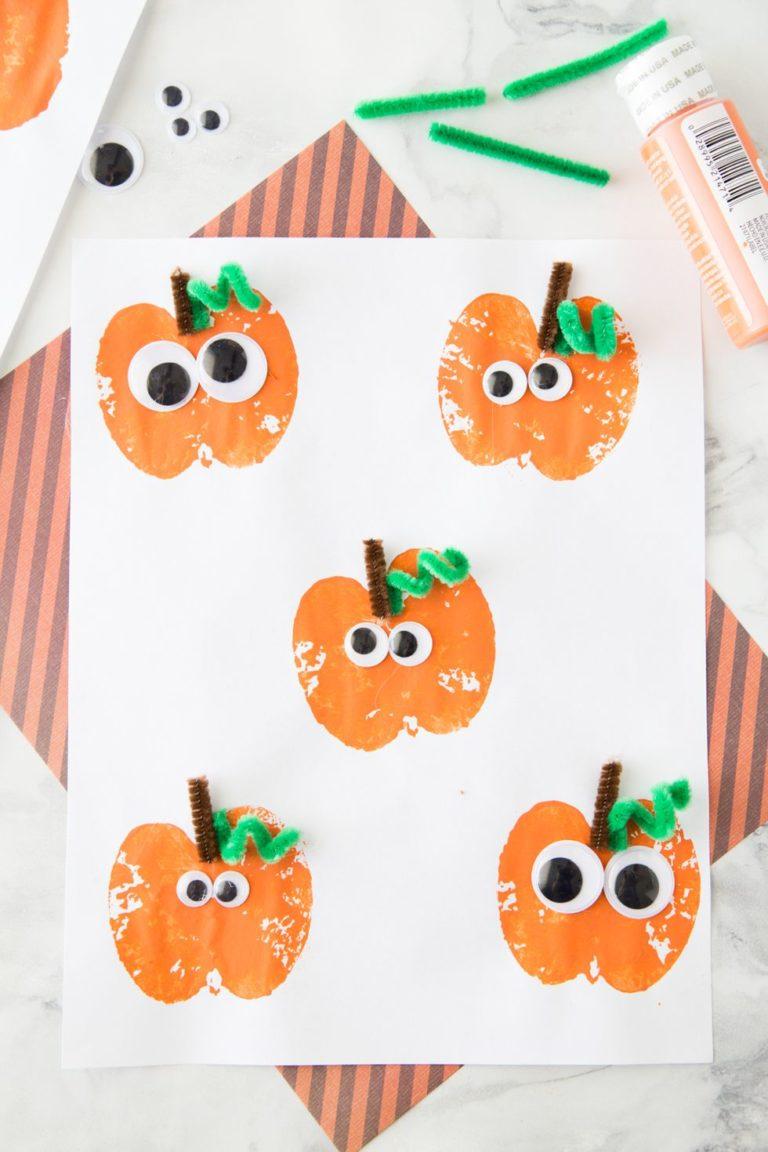 easy-halloween-crafts-for-kids-pumpkin-apple-stamps-1530127222