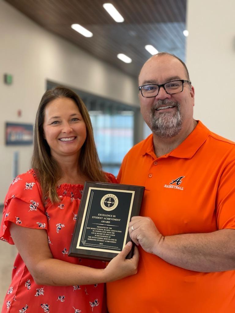 Devon Energy receives Artesia Excellence in Student Achievement award